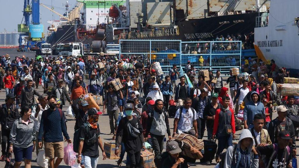 Suasana Mudik di Pelabuhan Tanjung Perak