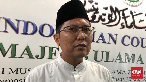 Ketua Bidang Dakwah Majelis Ulama Indonesia (MUI) Muhammad Cholil Nafis saat berada di Kantor MUI, Jakarta