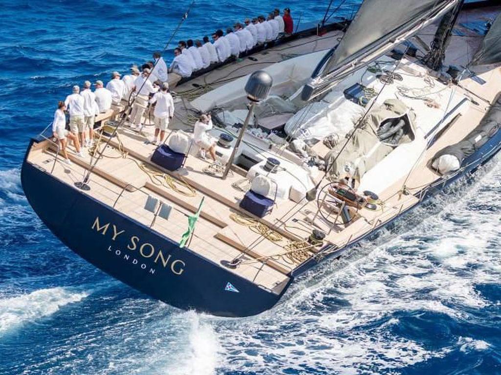 Nahas! Yacht Rp 23 T Ini Hilang Setelah Jatuh dari Kapal Kargo