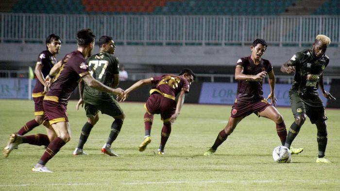 PSM Makassar bermain imbang 0-0 kontra Tira Persikabo (ANTARA FOTO/Yulius Satria Wijaya)