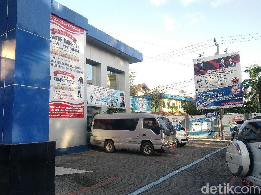 Kena OTT KPK, Baliho Setop Pungli Kakanim Mataram Dicopot