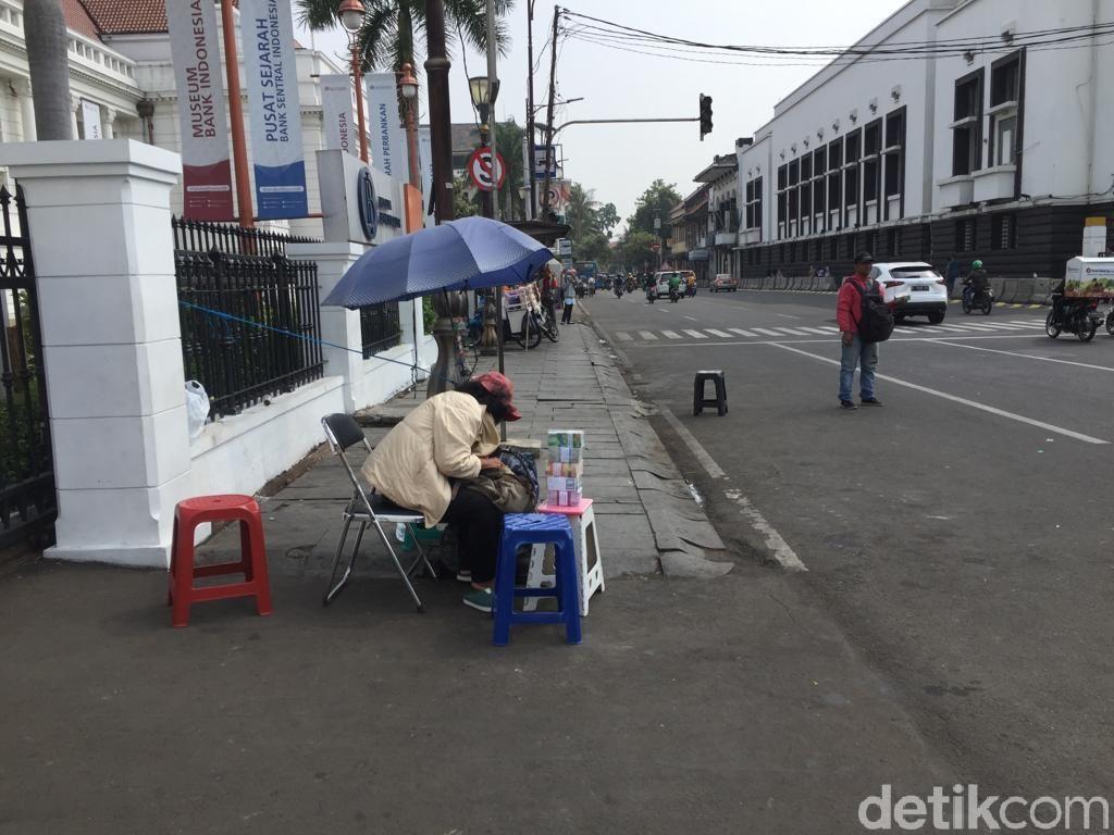 Suka Duka Inang-inang, Untung Jumbo hingga Ditipu Uang Palsu