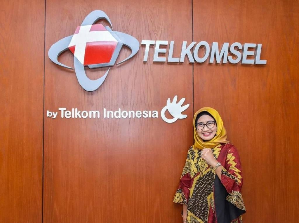 Emma Sri Martini, Srikandi BUMN yang Kini Pimpin Telkomsel