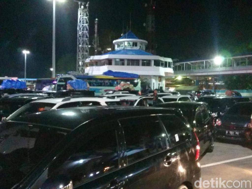 H-7 Lebaran, Pelabuhan Merak Ramai Pemudik