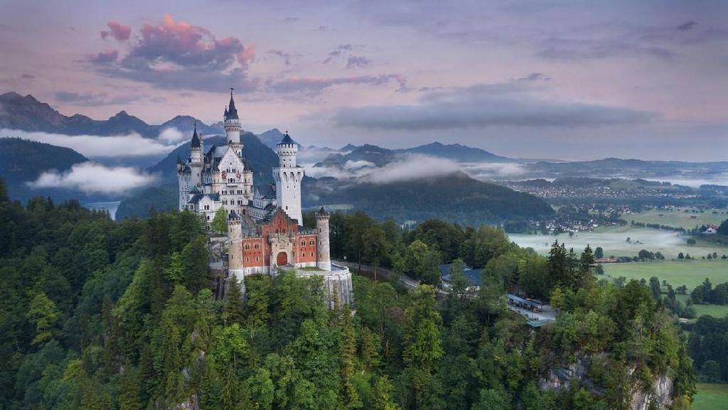 Foto: Megahnya Kastil Disney di Dunia Nyata