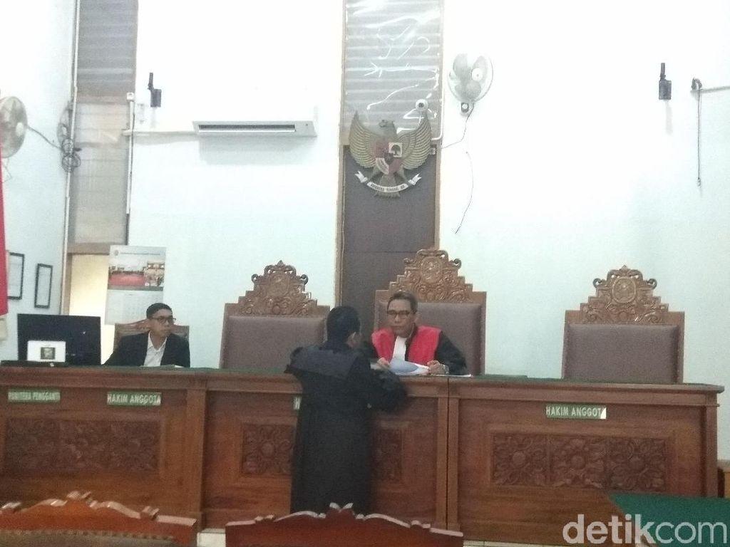 Eggi Sudjana Cabut Gugatan Praperadilan di Sidang Perdana