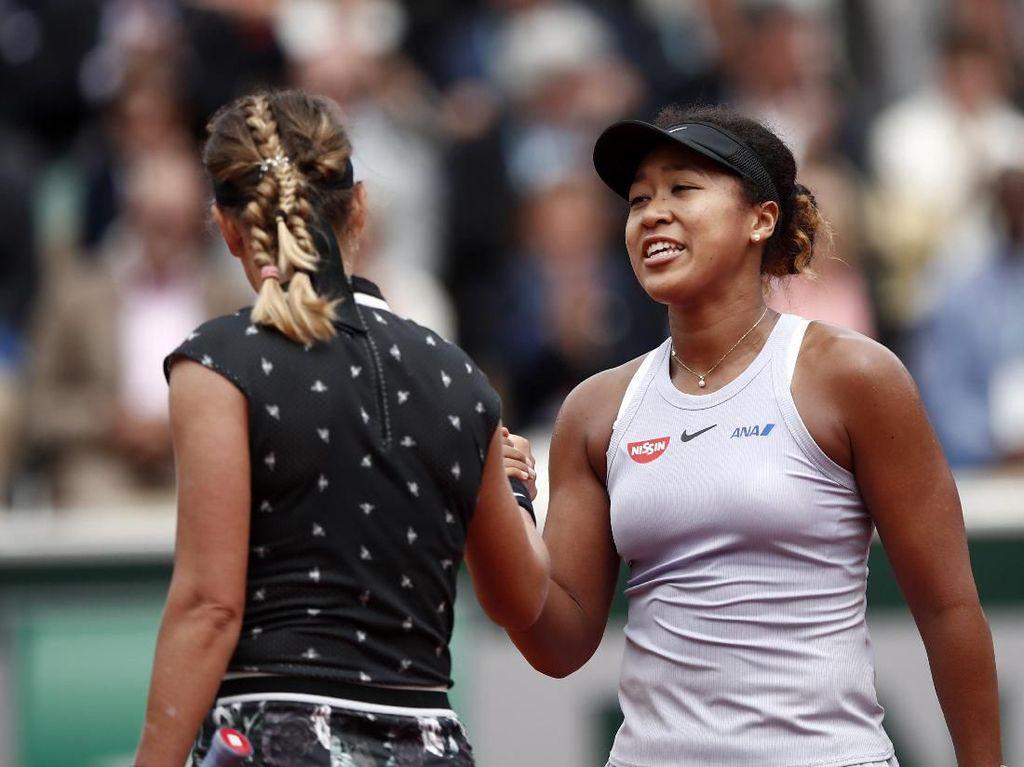 Osaka Tumbangkan Azarenka, Serena Menang Mudah
