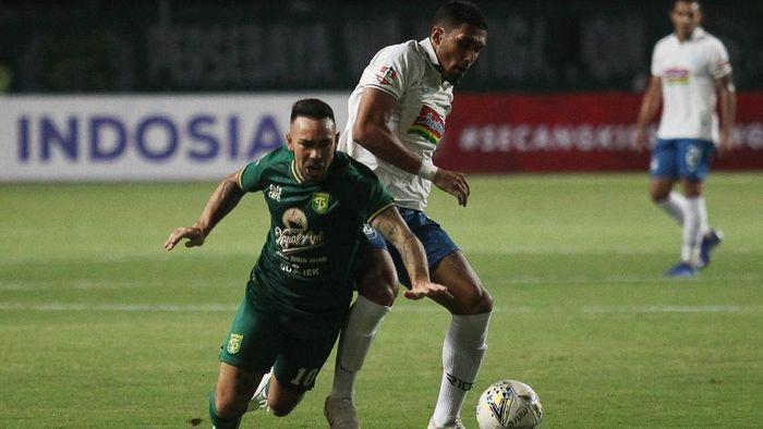 Laga Persebaya Surabaya vs PSIS Semarang berakhir 1-1 (Foto: ANTARA FOTO/Moch Asim/aww)