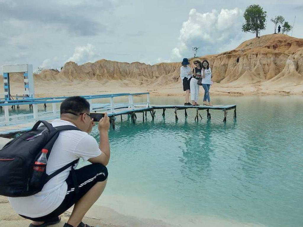 Terpesona Keindahan Gurun Pasir Telaga Biru di Pulau Bintan