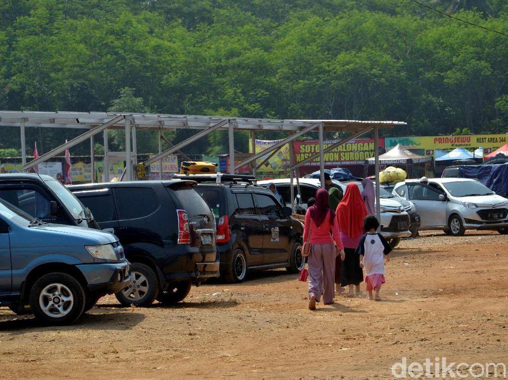 Pengelola Antisipasi Rest Area Overload Pemudik di Tol Batang