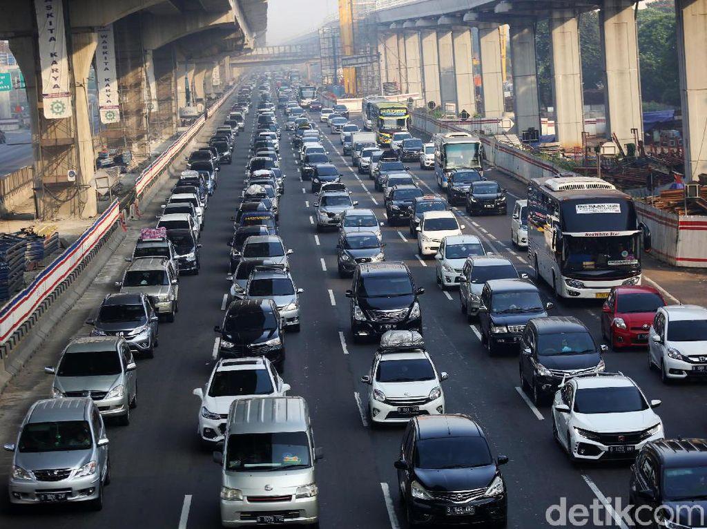 Pak Jokowi, Bangun Tol atau Pindah Ibu Kota Bukan Solusi Atasi Macet