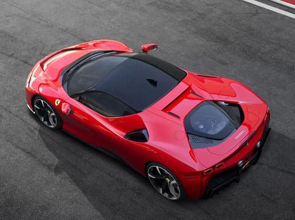 Mobil Tercepat Ferrari Bukan Lagi dengan Mesin V12