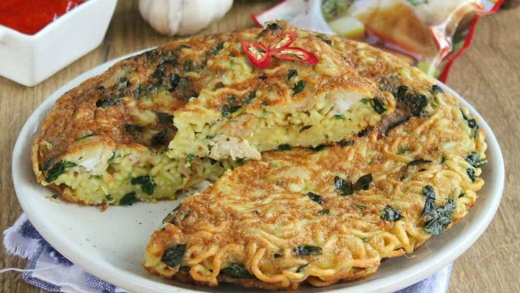 Sahur Praktis dan Nikmat dengan Omelet Mie yang Gurih Mantap