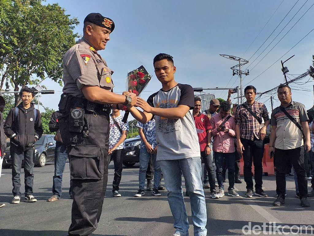 Mahasiswa Dukung Polisi Usut Tuntas Kasus Pembakaran Polsek Tambelangan