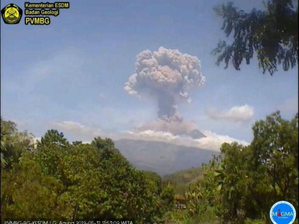 Status Gunung Agung Turun Jadi Waspada, Radius Aman 2 Km