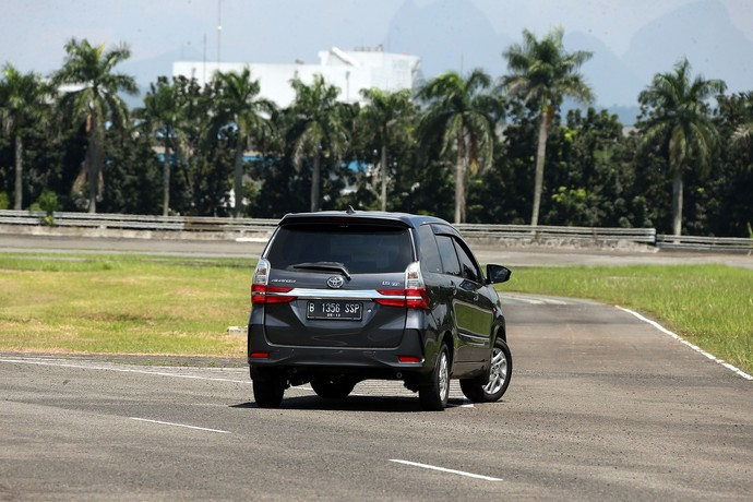 Berkenalan dengan Toyota Avanza 1.5 Berwajah Vellfire