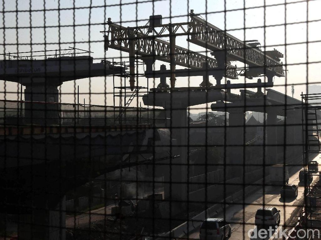 Mudik Lebaran, Konstruksi Tol Japek Dihentikan Sementara