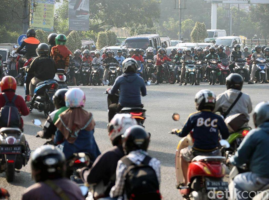 10 Provinsi dengan Jumlah Sepeda Motor Terbanyak, Nomor 1 Bukan Jakarta!