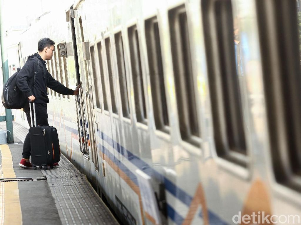 Riwayat Stasiun Gambir: Dari Tanah Rawa Sekarang Mau Pensiun