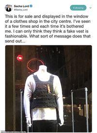 Jual Baju Mirip Rompi Bom Bunuh Diri, Butik Ini Tuai Kontroversi