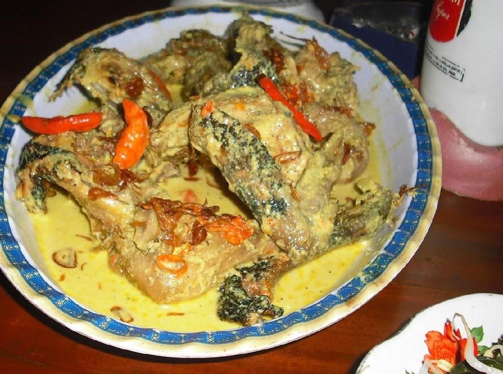 Nasi Tiwul Pacitan dan Sate Sapi Menanti di Jalur Pansela