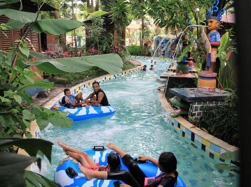 Nikmati Imlek Sambil Basah-basahan di Taman Rekreasi Ini