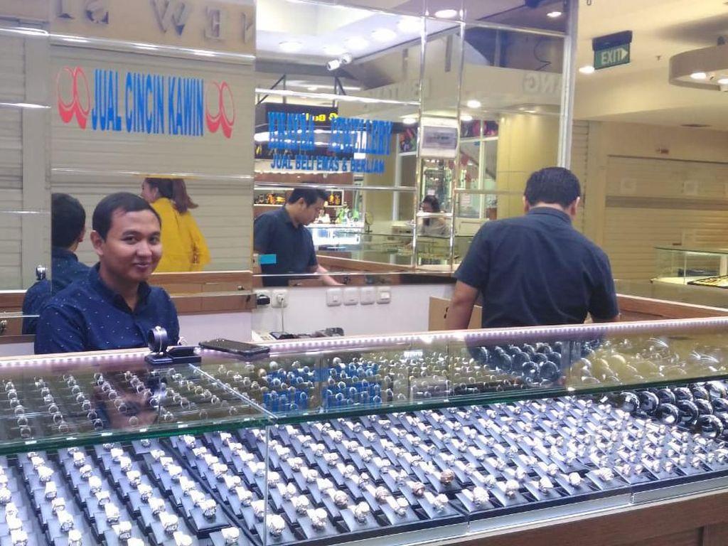 Pedagang Sebut Penjualan Emas Tahun Ini Lesu