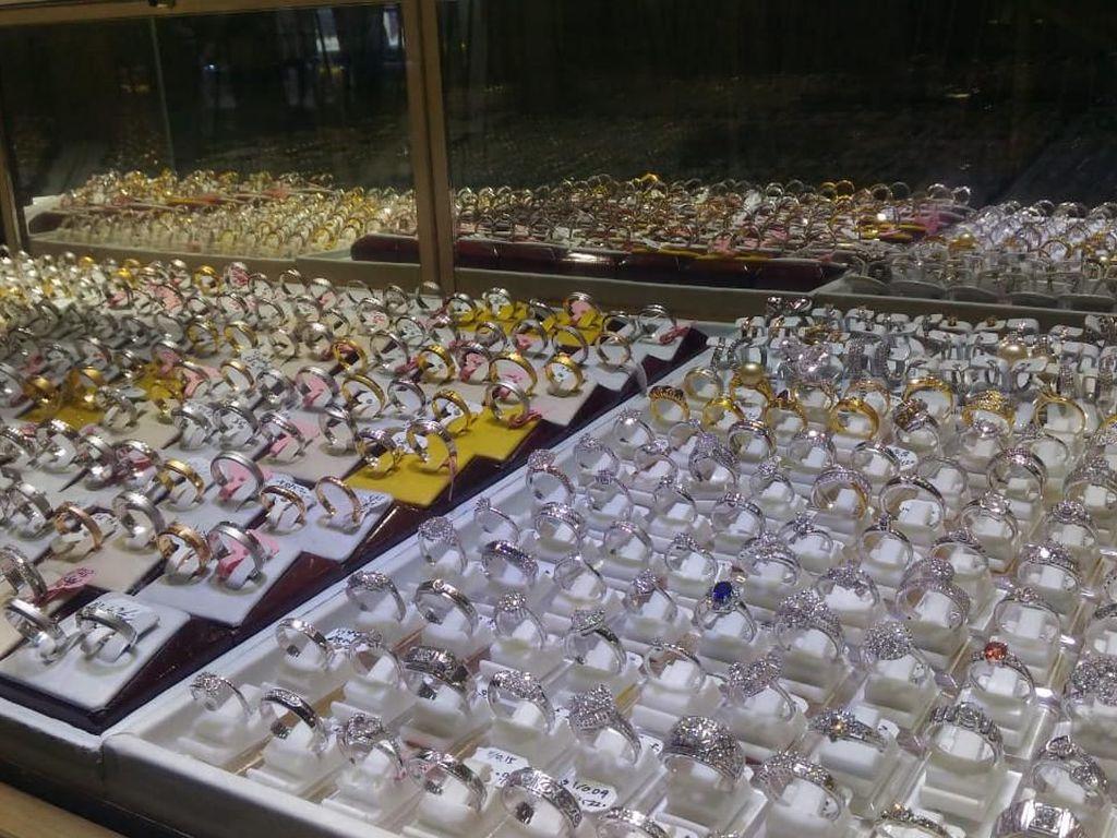 Alasan Beli Emas Jelang Lebaran: Untuk Simpanan hingga Pamer