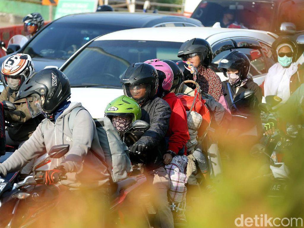 Perjalanan Jauh, Motor Wajib Pakai Ban Tubeless