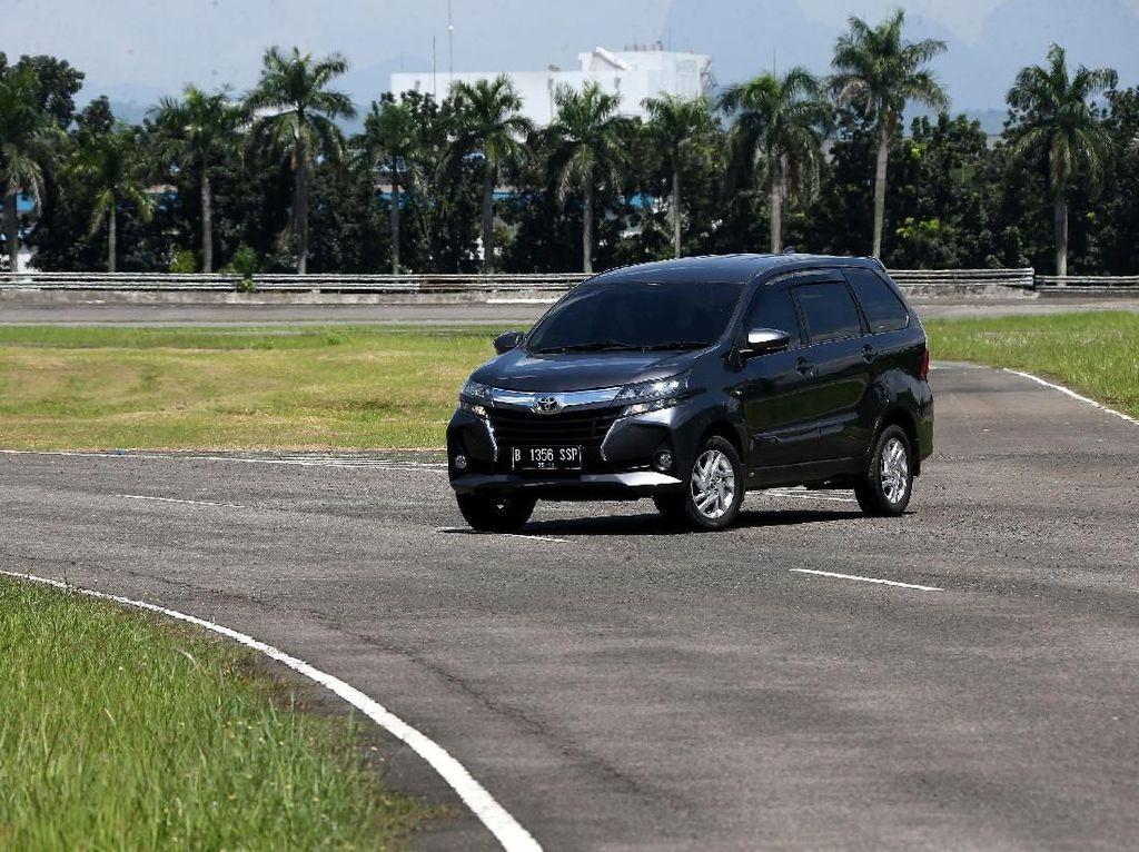 Dipakai Avanza-Xenia, Ini Kelebihan dan Kekurangan Mobil Penggerak Roda Belakang
