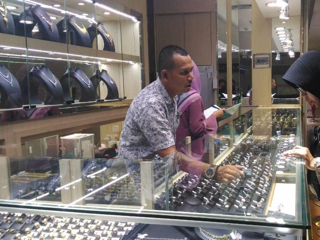 Penjualan Lesu, Berapa Harga Perhiasan Emas Sekarang?