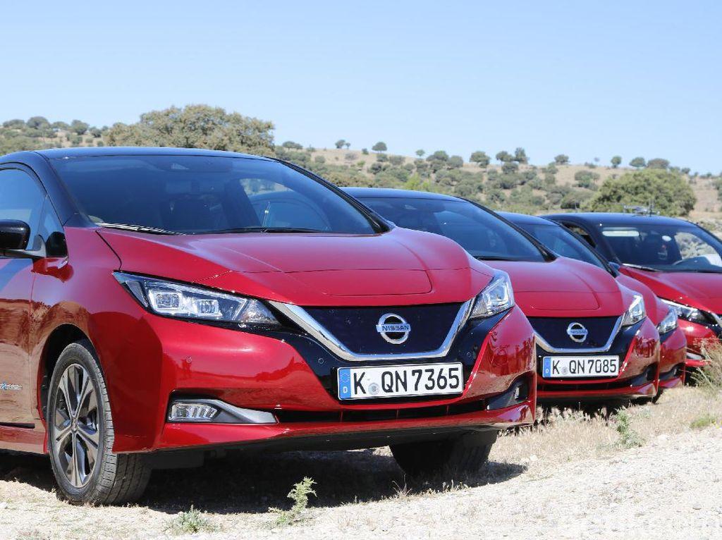 Sensasi Mobil Listrik Terlaris Sejagat, Nissan LEAF