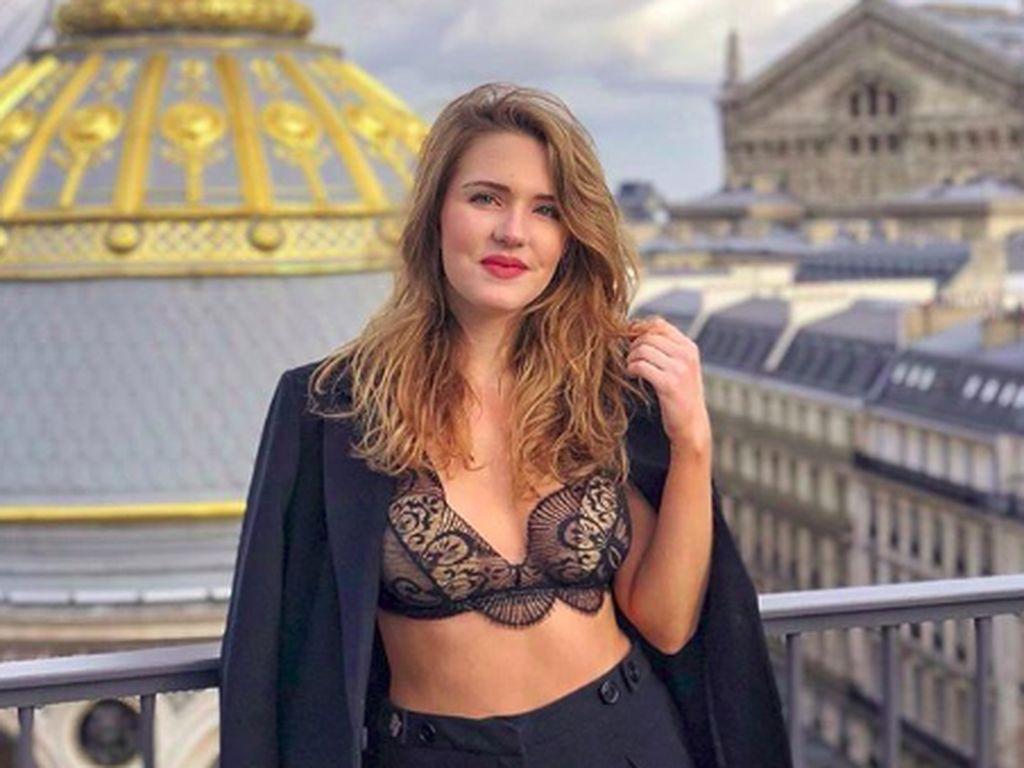 Posting Foto Seksi, Selebgram Cantik Ini Batal Liburan Gratis