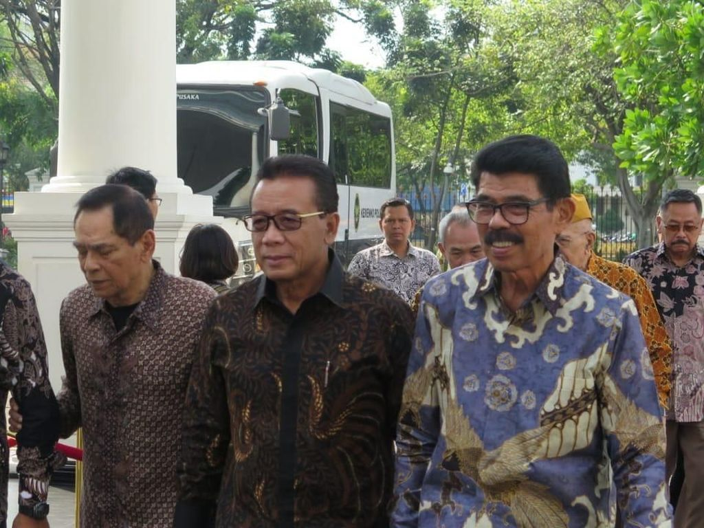 Pesan di Balik Pertemuan Jokowi dengan Purnawirawan