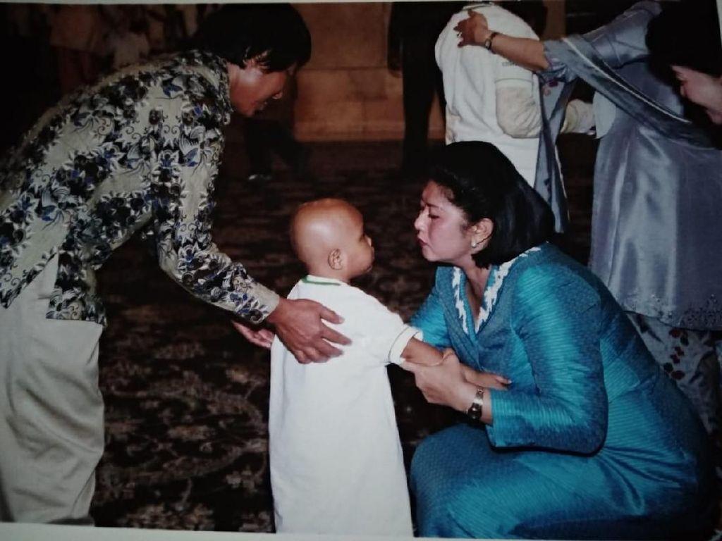 Mengenang Momen Manis Kedekatan Ani Yudhoyono dengan Para Pejuang Kanker Anak