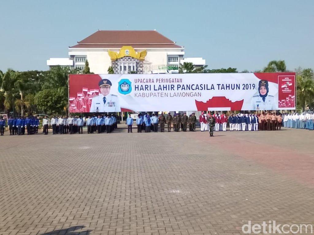 24 ASN Luar Kota Nebeng Upacara di Kota Lamongan