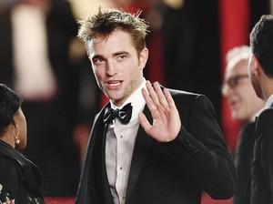 Robert Pattinson Dikabarkan Terkena Corona, Syuting The Batman Ditunda