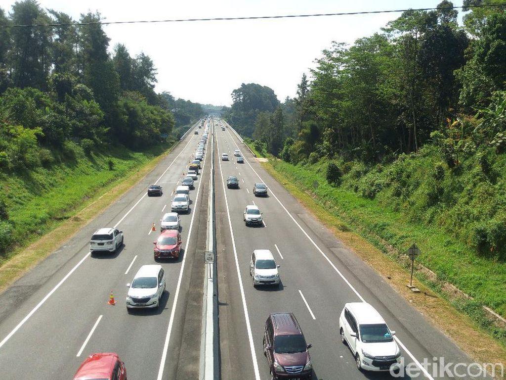 Diberlakukan Contraflow Atasi Kemacetan di Ruas Tol Semarang-Solo