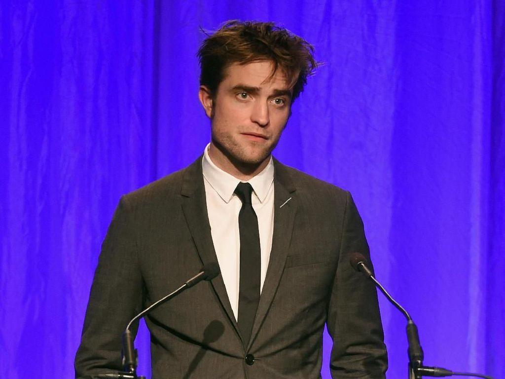 Sebut Batman Bukan Pahlawan, Robert Pattinson Dihujat!
