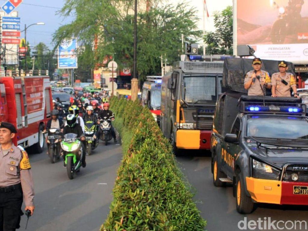Polres Sukabumi Gelar Simulasi Evakuasi di Pusat Perbelanjaan