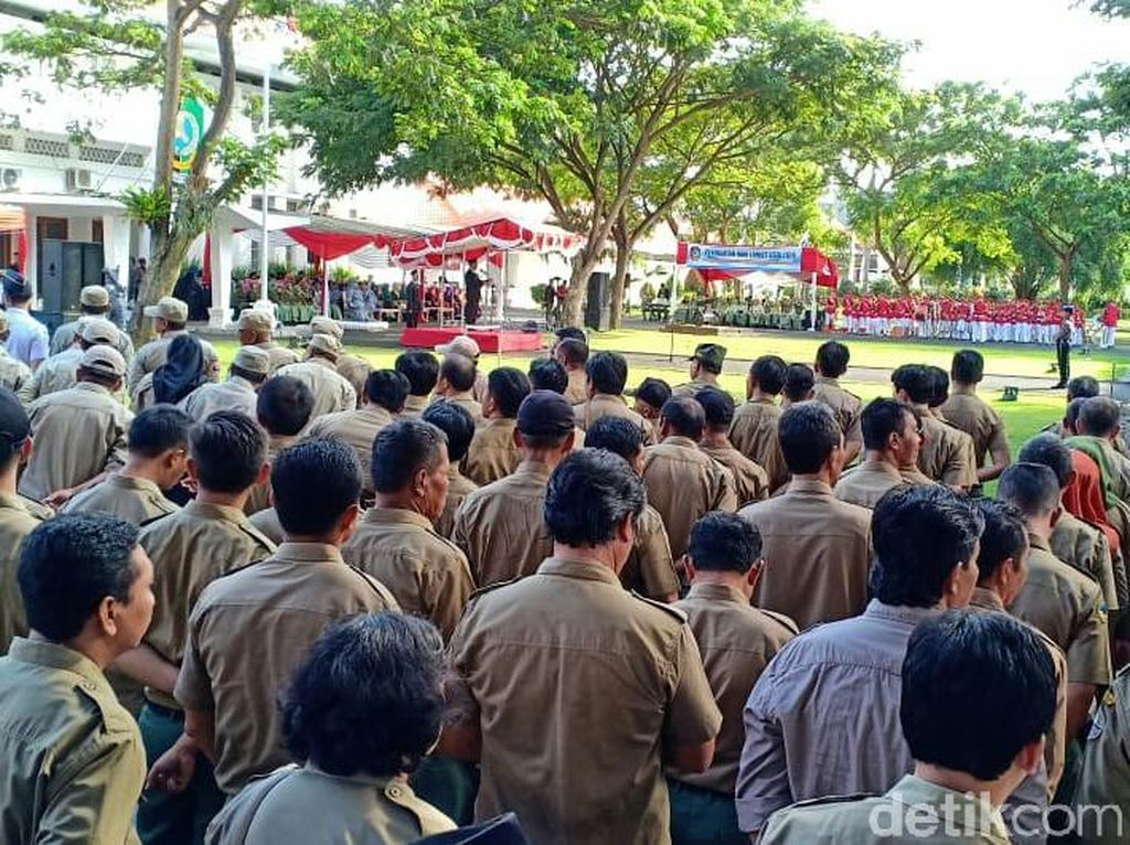 Apel Usai Libur Lebaran, Sejumlah PNS Pemprov Riau Terlambat