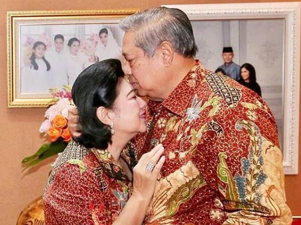 Kisah Pertemuan hingga Kecupan Terakhir SBY Lepas Kepergian Ani Yudhoyono