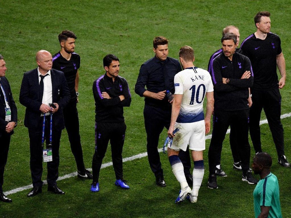 Gol Penalti Salah Memukul Tottenham