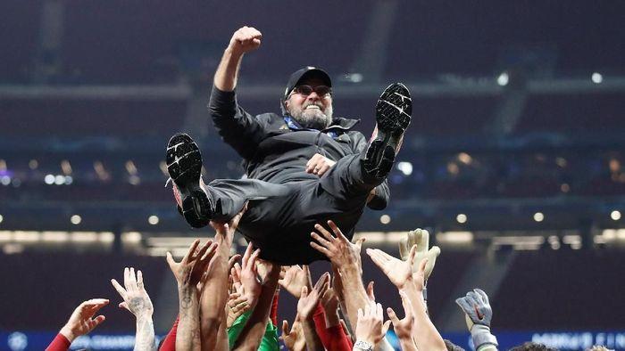 Livrpool juara Liga Champions setelah mengalahkan Tottenham Hotspur 2-0 (REUTERS/Carl Recine)