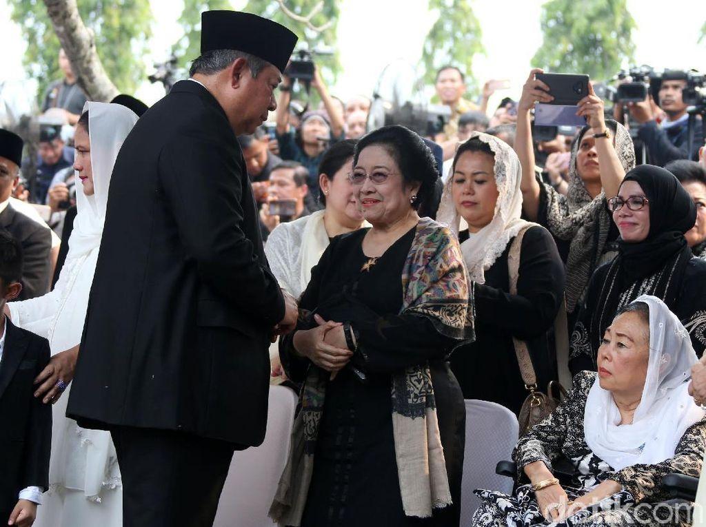 Momen-momen SBY-Megawati Salaman