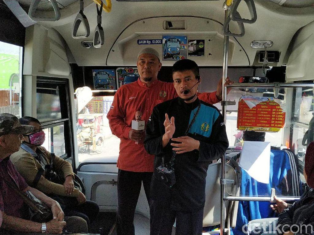 Melihat Dai Bus Kota Dakwah Tanpa Pamrih di Bandung