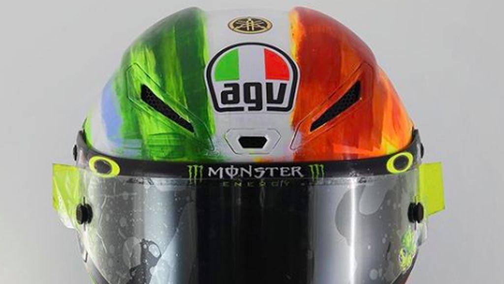 Helm Spesial Valentino Rossi di Italia