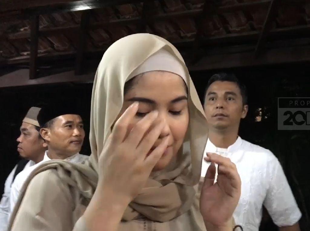 Sebelum Wafat, Ibu Ani Hadir di Mimpi Annisa: Memo Mau Pergi...