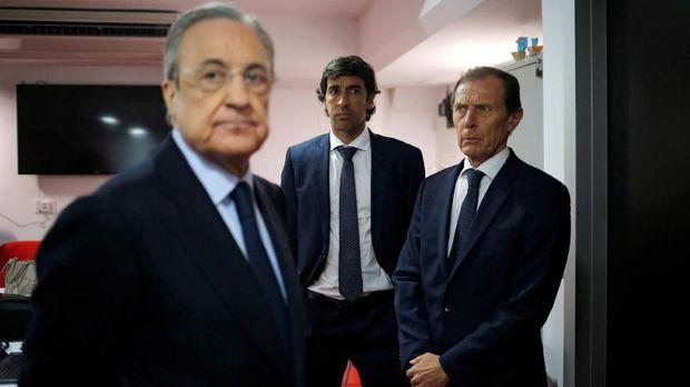 Florentino Perez diperbolehkan membawa ponsel di pernikahan Sergio Ramos. (