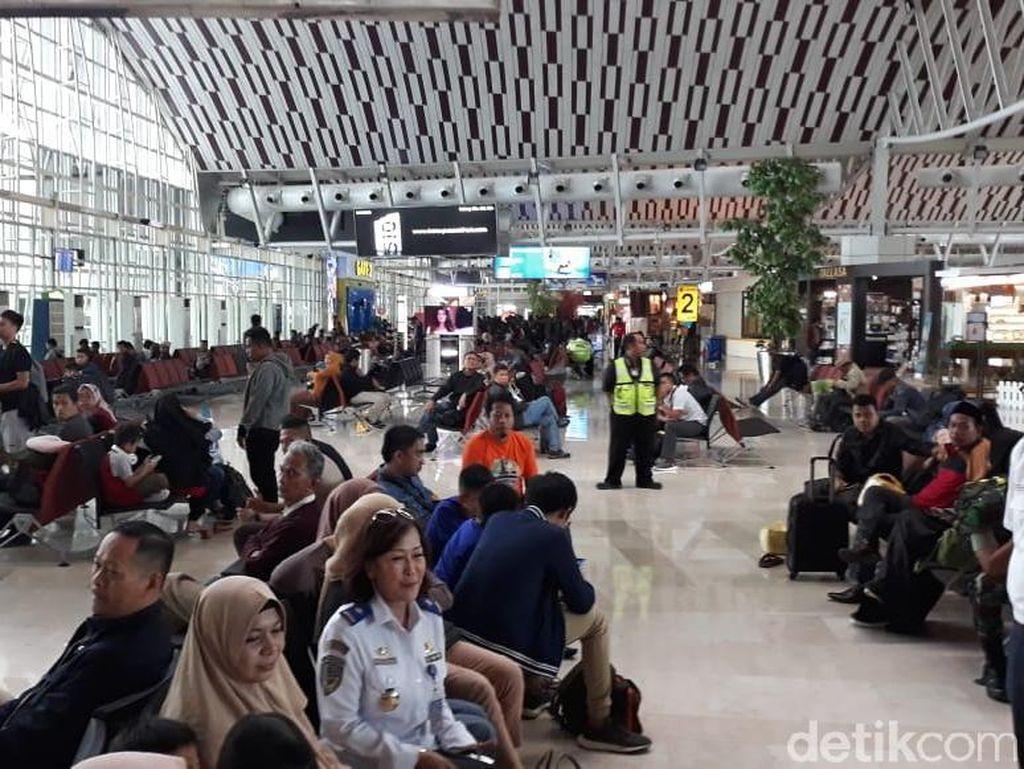 Penumpang Mudik di Bandara Makassar Tak Seramai Tahun Lalu